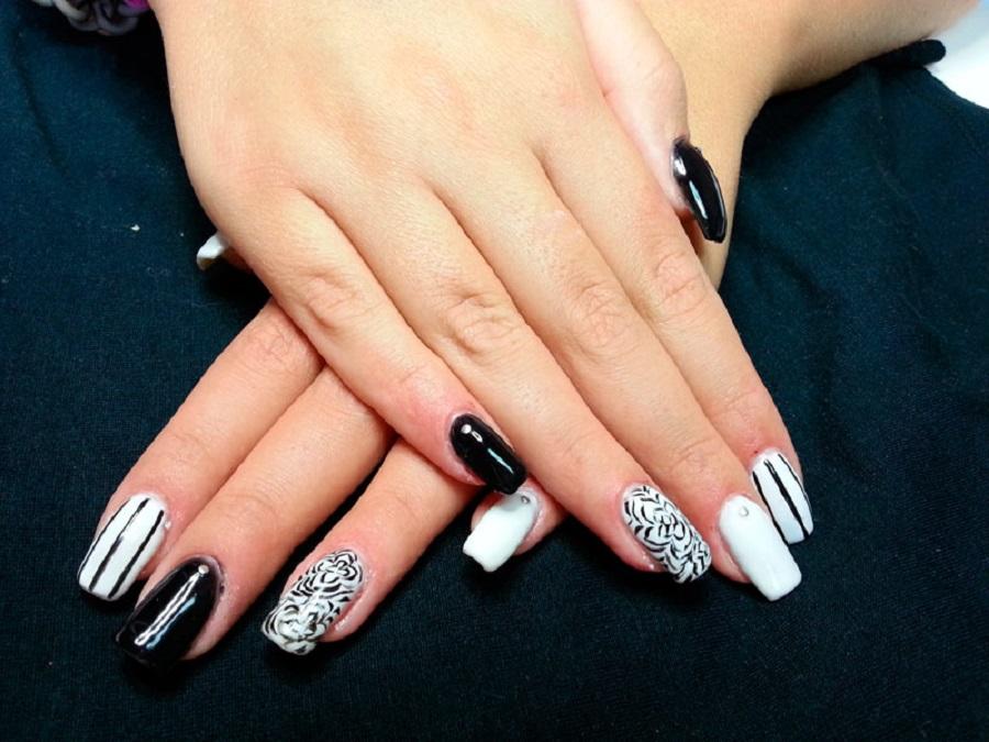 unghie gel nere decorate