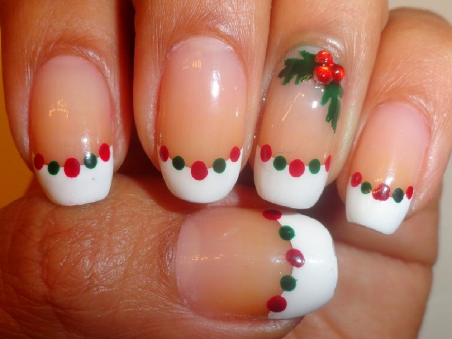 spesso Unghie natalizie: immagini di nail art semplici per Natale | Style  TR73
