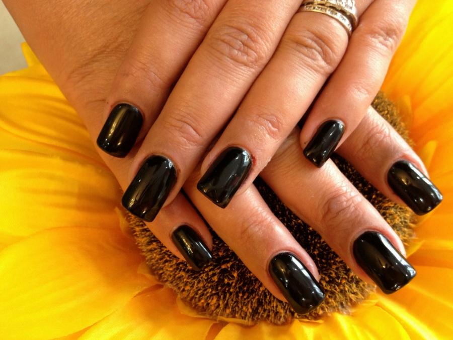 Unghie nere: le più belle nail art da copiare | Style Girl
