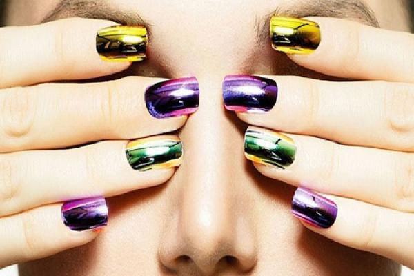 Unghie gel decorate mirror nails