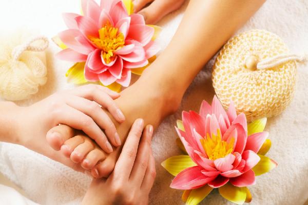 Pedicure estetico massaggio