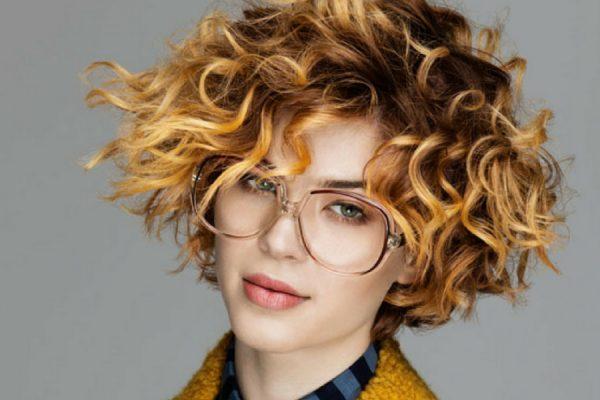 capelli corti ricci 2017